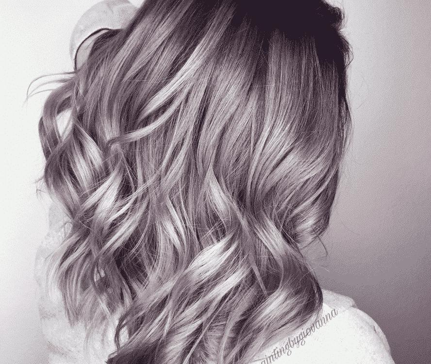 long and wavy lilac hair